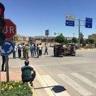 Kilis'te askeri araç ile otomobil çarpıştı: 2 asker yaralı