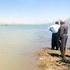 Elazığ'da baraj gölüne giren 2 genç kayboldu