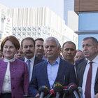 MHP'de muhalifler imza toplamaya başladı