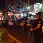 Diyarbakır'da AK Parti il binasında toplanan partililere EYP'li saldırı