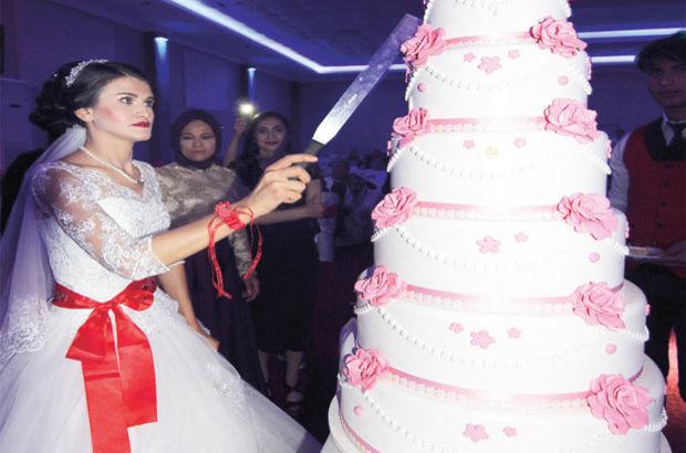 Darbe girişimi olunca düğün damatsız kaldı