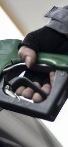 Benzine 6 kuruş zam yapıldı
