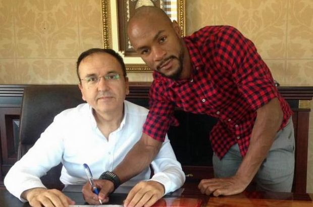Sivasspor, Leandro Barrios Rita Dos Martines'i 2 yıllığına kadrosuna kattı