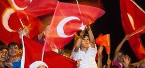 CHP'den çağrı: Sadece Türk bayrağı ve Atatürk posteri...