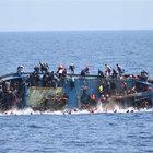 Akdeniz'de 400 mülteci kurtarıldı