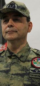 FETÖ'cü Tümgeneral Cahit Bakır ve Tuğgeneral Şener Topuç yakalandı