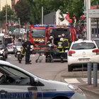 Fransa'da bıçaklı kişiler kilisedekileri rehin aldı
