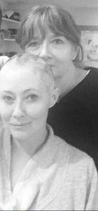 Kansere yakalanan Shannen Doherty saçlarını böyle kazıttı