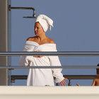 Kate Hudson, Roman Abramovich'in süper lüks yatına misafir oldu