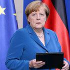 Merkel'den darbe girişiminin ardından Türkiye açıklaması
