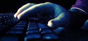 Bartın'da sosyal medyadan darbeyi destekleyen 2 polis tutuklandı