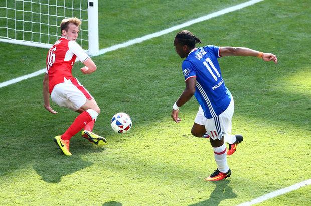 Didier Drogba, Arsenal'i yine boş geçmedi!