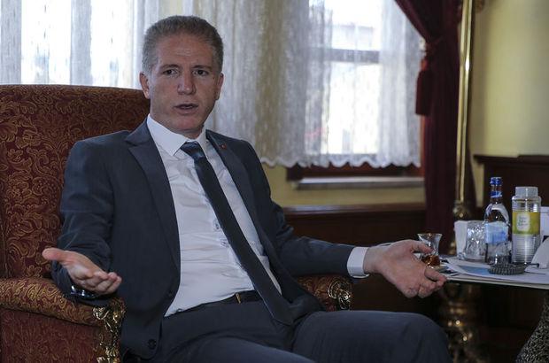 Sivas Valisi Davut Gül: Profesör de general de imamdan talimat alıyor
