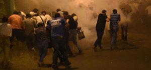 Ermenistan'da silahlı grubu destekleyen grupla polis çatıştı