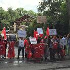 FETÖ elebaşı Fethullah Gülen'e ABD'deki malikanesi önünde protesto