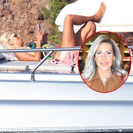 Teknede güneşlendi