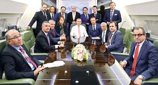 Cumhurbaşkanı Erdoğan, aralarında Habertürk Gazetesi Genel Yayın Yönetmeni Selçuk Tepeli'nin de olduğu gazetecilerin sorularını yanıtladı.