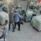 Aksaray'da bıçaklı baltalı kavga kamerada!