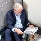 İngiltere İşçi Partisi Genel Başkanı trende yerlerde