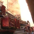 Kağıthane'de 5 katlı apartmanda yangın