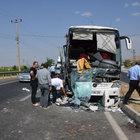 Malatya'da yolcu otobüsü TIR'a çarptı: 3 yaralı