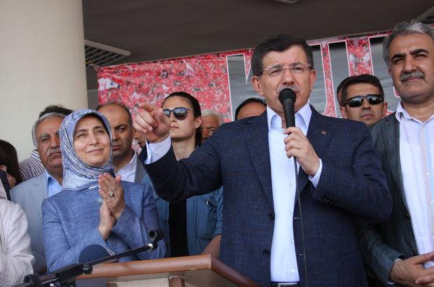 Ahmet Davutoğlu: Bazı güçler Türkiye'nin huzurunu, istikrarını, kalkınmasını istemiyor