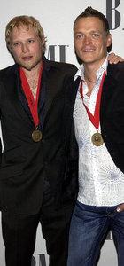 3 Doors Down'un eski gitaristi Matt Roberts öldü