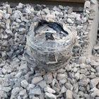 Bingöl'de demiryoluna döşenen patlayıcı imha edildi