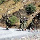 Hakkari'de PKK'lı teröristlerle güvenlik güçleri arasında çatışma