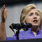 Hillary Clinton'ın e-postaları başını ağrıtmaya devam ediyor