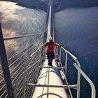 3. Köprü'nün ışıklandırmasını dağcılar yapıyor
