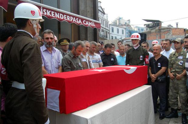 Trabzon şehidini son yolculuğuna uğurladı