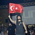 Timati'den Kemer'de Türk bayraklı konser