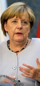 Merkel: Alman vekillerin İncirlik'i ziyareti için Ankara ile görüşülüyor