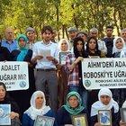 Uludere'de öldürülen 34 kişi mezar başında anıldı