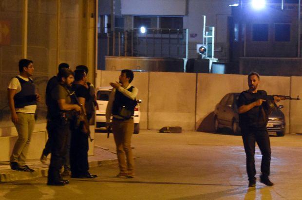 Van'da ilçe emniyet müdürlüğüne alçak saldırı: 2'si polis 4 yaralı