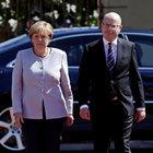 Angela Merkel'in konvoyunda şüpheli araç! Sürücü gözaltına alındı