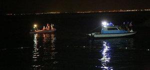 Sevgilisine kızdı aracı denize sürdü: 2 ölü