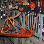 İzmir'de su kanalına düşen kişi kurtarıldı