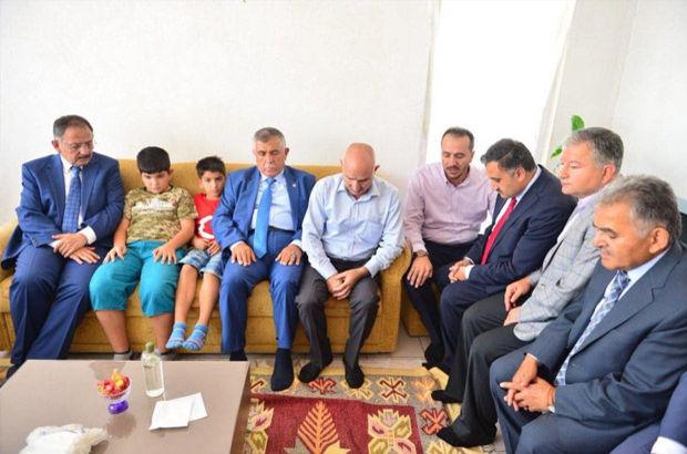 Bakan Özhaseki'den 15 Temmuz şehidinin ailesine ziyaret