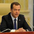 Medvedev charter yasağını kaldıran kararnameyi imzaladı