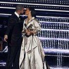 Rihanna ve Drake MTV müzik ödüllerini salladı