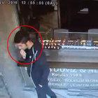 Beyoğlu'nda bir kişi çaldığı altınları ağzında sakladı