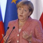 Merkel'den öz eleştiri: Sığınmacı konusunda hata yaptık