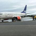 SAS uçağı iniş sırasında alev aldı