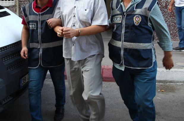 18 ilde FETÖ operasyonu: 8 emniyet personeli tutuklandı 77