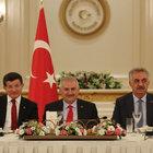 Başbakan Yıldırım, AK Parti'li eski bakanlarla buluştu