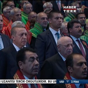 """İRADELERİNİ İPOTEK ALTINA ALAN HAKİMLERİN..."""