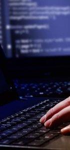 Ünlü sosyal medya sitesinde şifreler çalındı