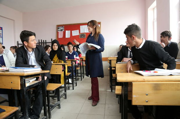 14 bin öğretmen için yer değişikliği | Doğudaki öğretmenlerin yeri mi değişecek?